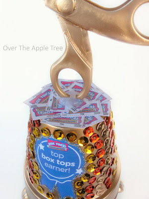 DIY Box Top Trophy by Over The Apple Tree