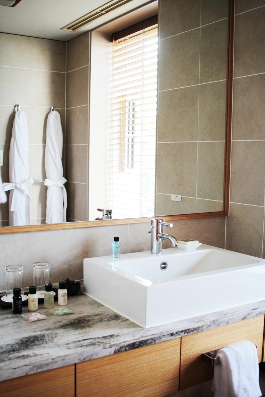 bathroom hotel luxury travel