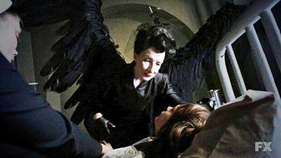 Series, distopía, ella - Frances Conroy - Asylum - American Horror Story