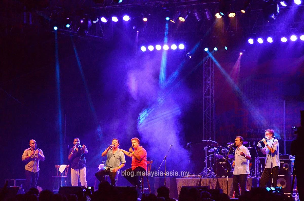 Vocal Sampling Performing at Borneo Jazz Festival