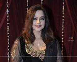 Seema Kapoor Pemeran Vasundhara Inderjit Rajvansh