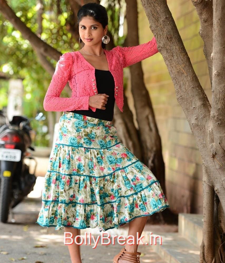 Naveena Photos, Actress Naveena Latest Stills