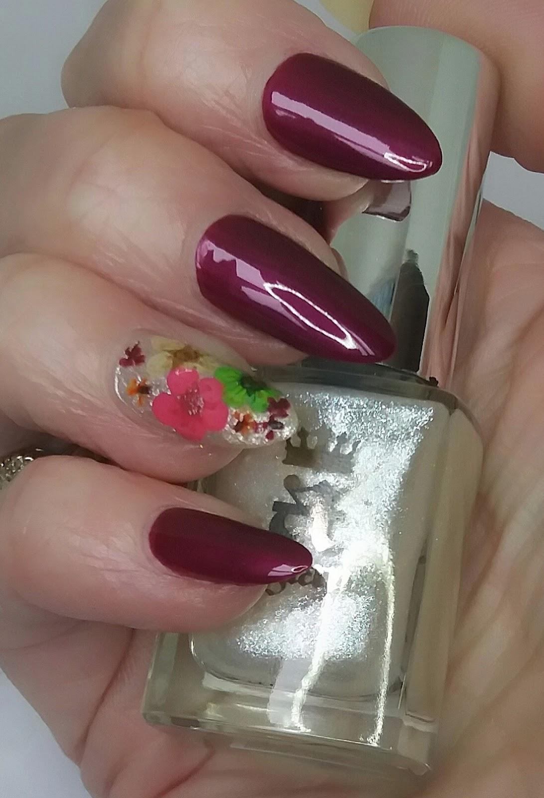 Bite No More: Floral Nails