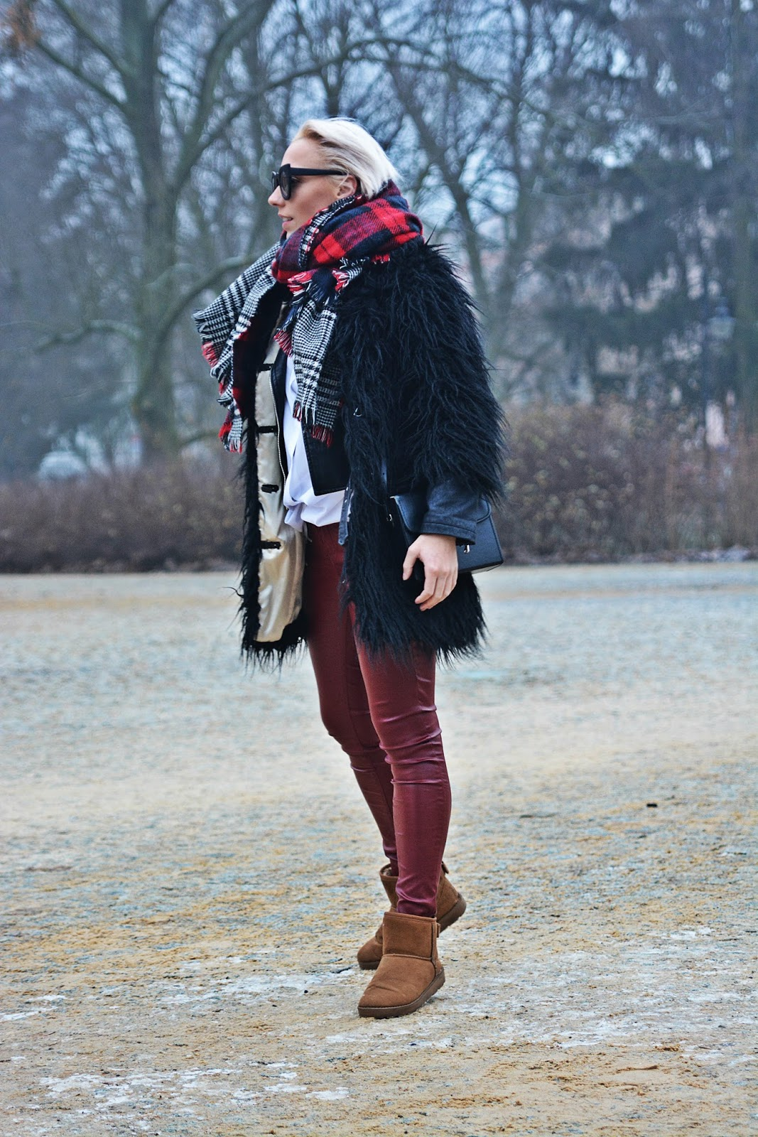 burgundy_pants_fur_coat_river_island_karyn_130117