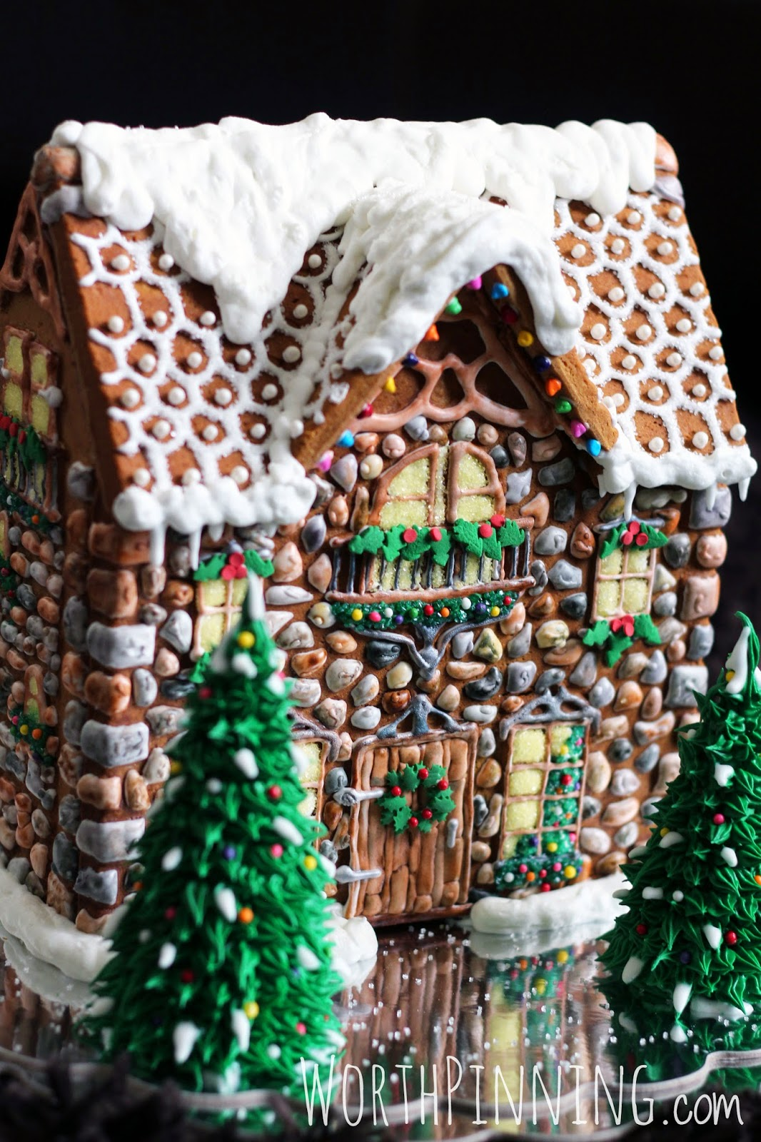Gingerbread House Ideas & Inspiration #gingerbreadhouse #christmas