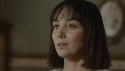 Clotilde (Simone Spoladore) fica sem reação com pedido de Almeida (Ricardo Pereira) — Foto: Globo