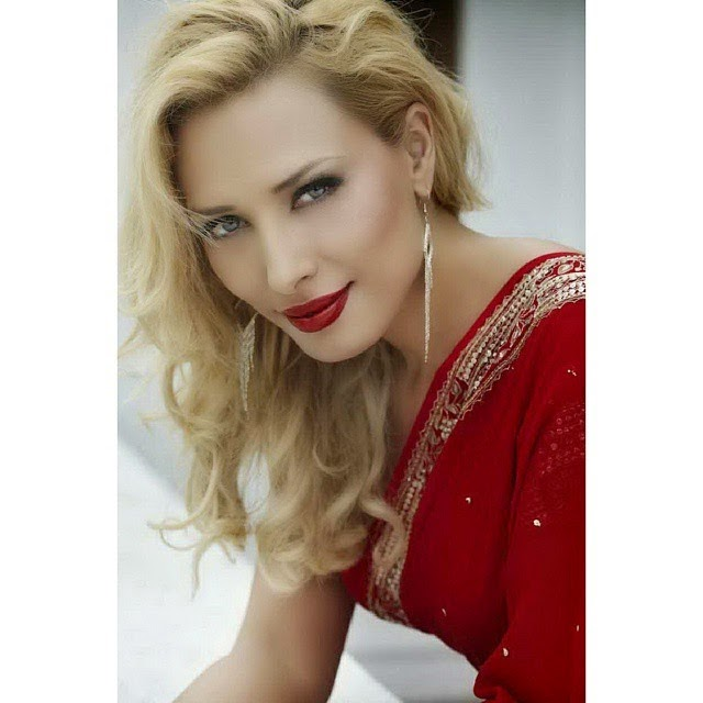meet salman khans new girlfriend, iulia vantur. she's romanian & starred in the movie, Hot HD Pics of Iulia Vantur From Different Events