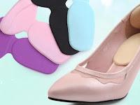 5 Alasan Anda Harus Menyelipkan Heel Grips pada Sepatu
