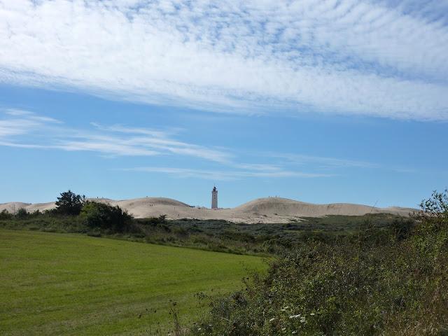 http://voyagestousrisques.blogspot.com/2017/02/rubjerg-knude-le-phare-ensable.html