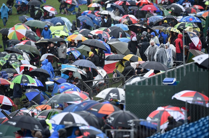 Rugi Ratusan Miliar, Puluhan Ribu Penonton Minta Ganti Rugi Batalnya MotoGP Inggris