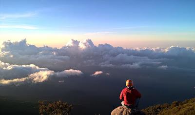 gunung tertinggi jawa gunung raung