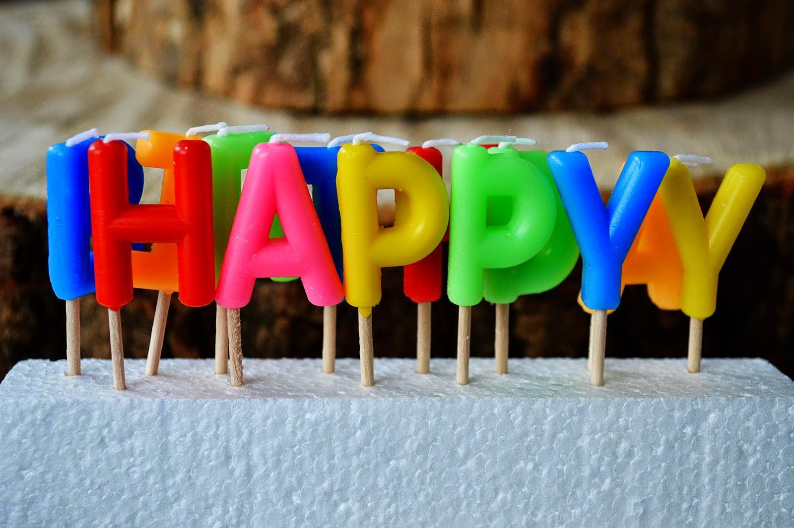 DIY Sparkling Cupcake Toppers | Motte's Blog