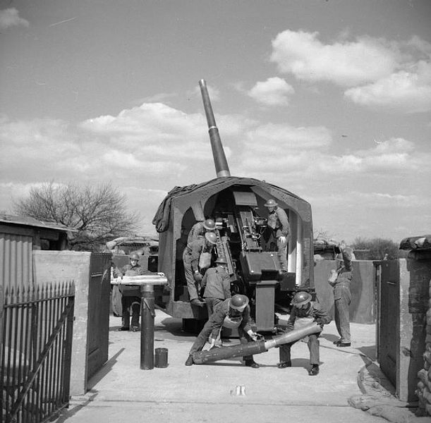 16 April 1941 worldwartwo.filminspector.com British anti-aircraft artillery