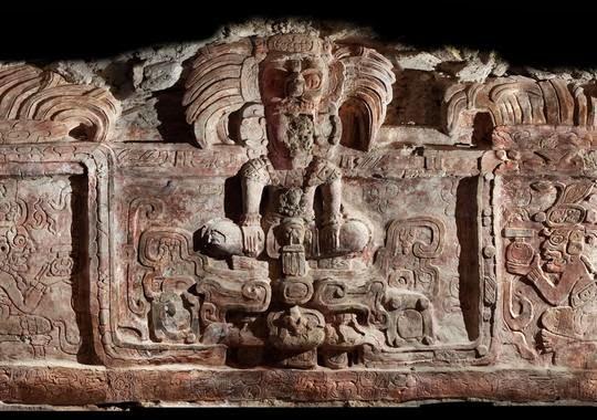 Resultado de imagen de friso de la cultura maya centro arqueológico precolombino de Holmul, Guatemala