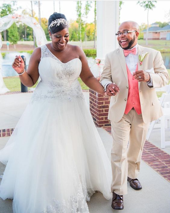 All You Need to Know to Shop Curvy Plus Size Wedding Gowns!