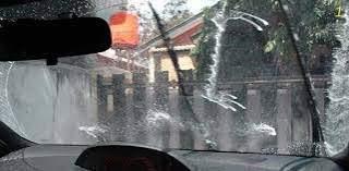 Tips Mengemudi Mobil Saat Hujan
