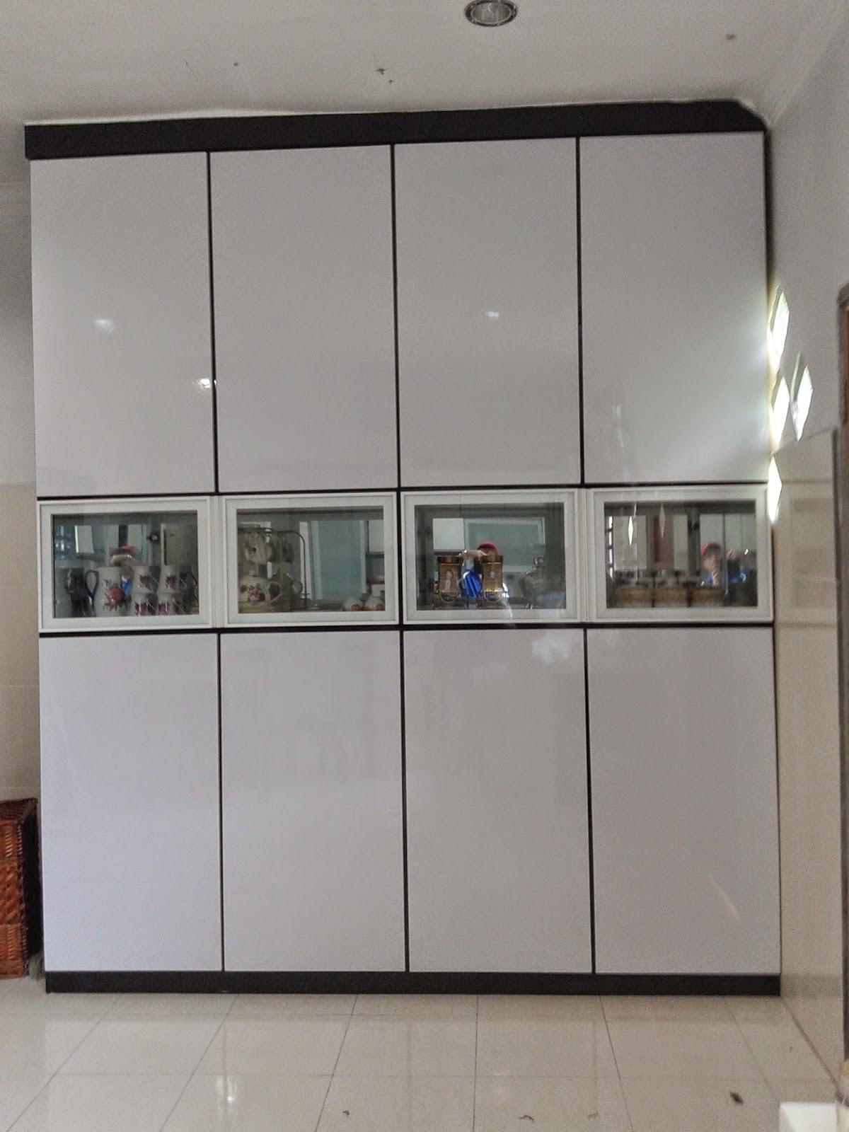 Bahagian Dalam Kabinet Ni Boleh Menyimpan Periok Alat Memasak Dan Carpet Rumah Kotak Bercermin Diletn Set Cawan Pinggan Mangkok Yang