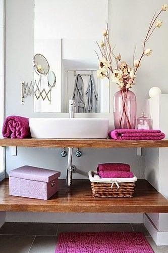 Toques de color rosa en tu baño