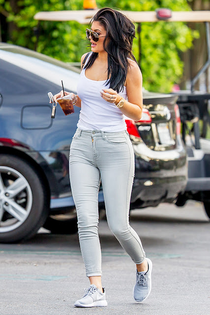 5 Ways To Rock Sneakers Kylie Jenner Style