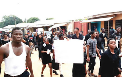 PHOTO: Unizik students protest colleague's death, blame school