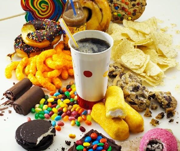 الاغذية غير الصحية تساعد في زيادة نسبة الكولسترول