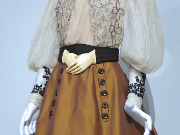 Edith Cushing Crimson Peak hand belt costume detail