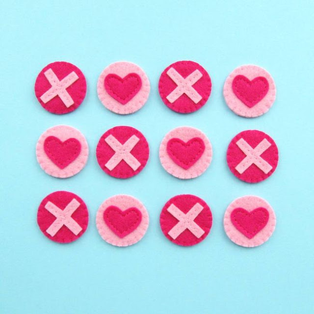 http://bugsandfishes.blogspot.co.uk/2018/02/tutorial-felt-tic-tac-toe-valentines.html
