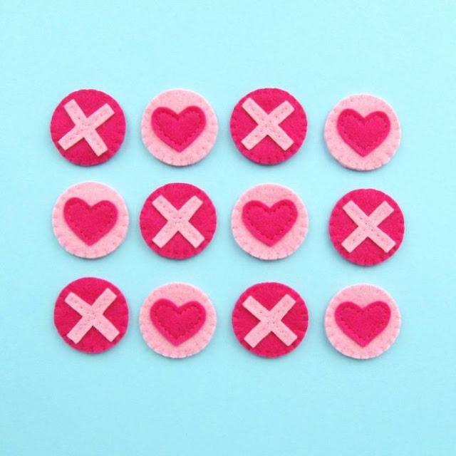 http://bugsandfishes.blogspot.co.uk/2018/02/tutorial-felt-tic-tac-toe-valentines.html