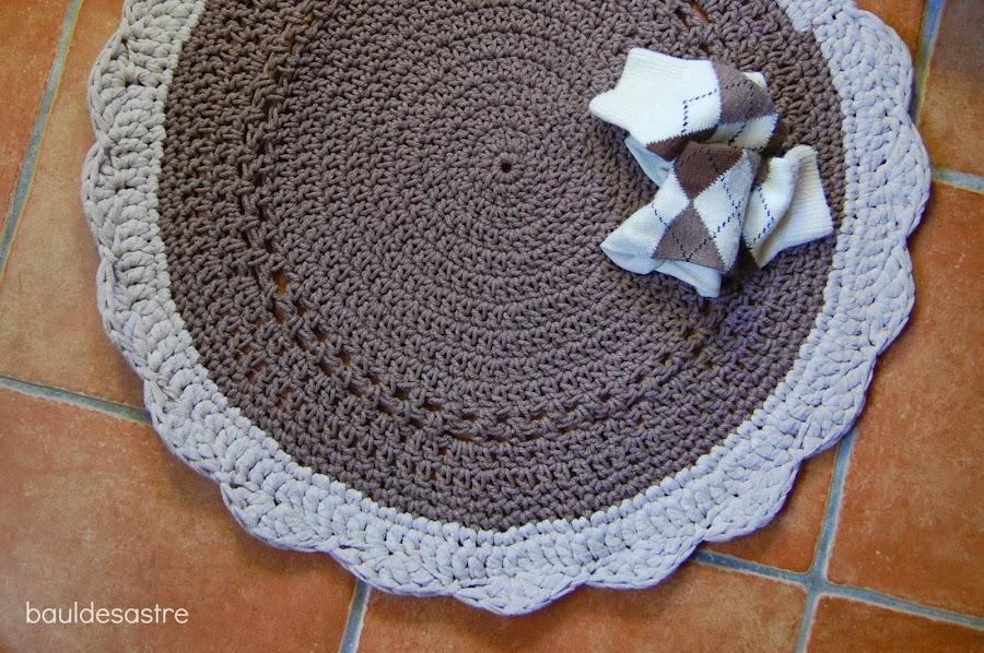 alfombra redonda trapillo y cuerda, baúl desastre