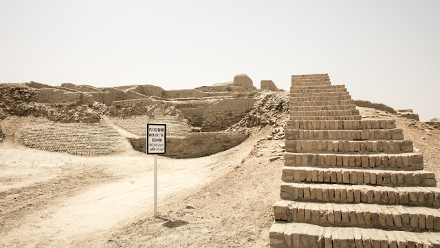 Pakistan's Moenjodaro is crumbling away