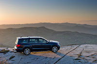 2012 all new Mercedes GL-class luxury suv offroad official media image