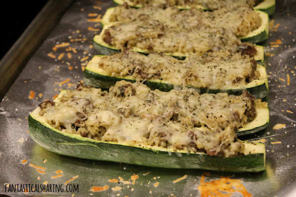 Pesto Zucchini Boats #recipe #maindish #zucchini #sausage #pesto