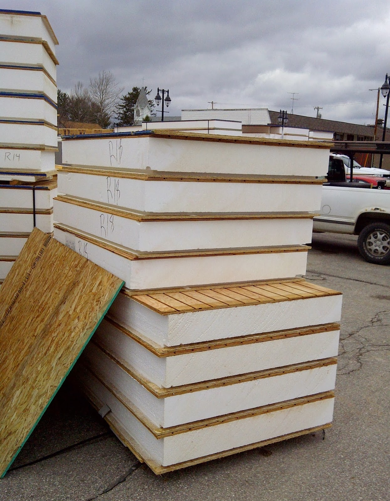 Structural insulated panels save money on energy penny for Where to buy sip panels