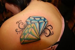 tato diamond di punggung
