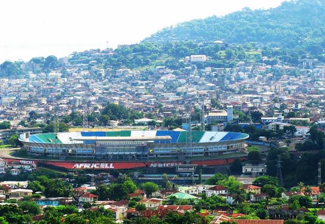 estádio em Freetown - Serra Leoa