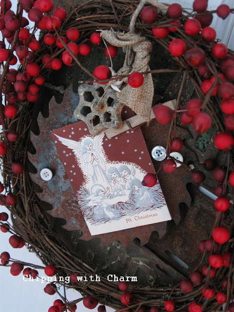 Chipping with Charm: Rusty Christmas Wreath...http://www.chippingwithcharm.blogspot.com/
