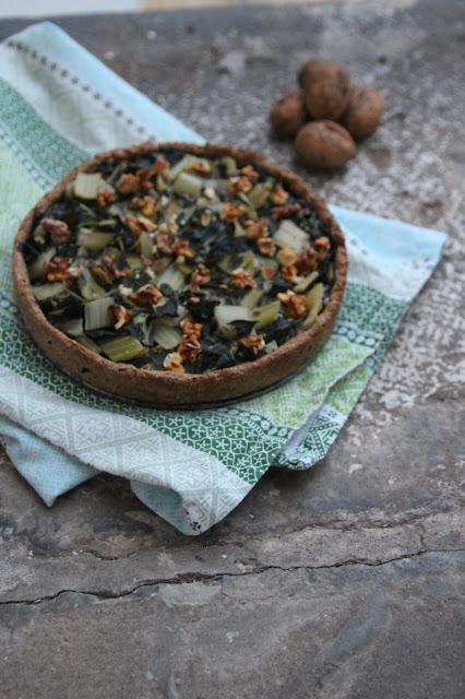 Cuillère et saladier : Tarte aux blettes, noix et tofu fumé