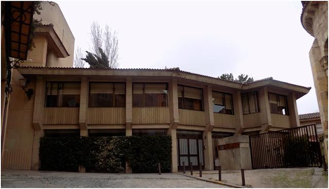 V @congr_pioneros de la #Arquitectura: @FundacionASota Reparadoras Segovia de Leopoldo Moreno 1975
