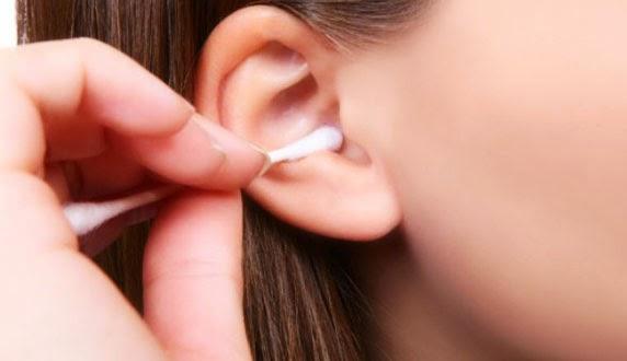Gatal di indera pendengaran menciptakan kita ingin sekali membersihkannya Cara Membersihkan Telinga dengan Benar
