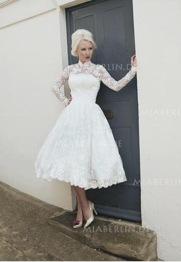 ... und charmant präsentieren sich diese kurzen petticoat brautkleider im