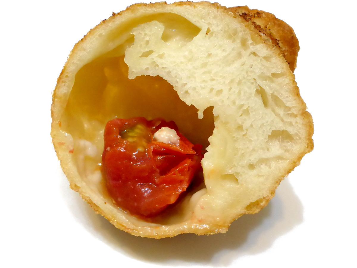 トマト&モッツァレラ(Tomato & mozzarella)   BOULANGERIE ASANOYA(ブランジェ浅野屋)