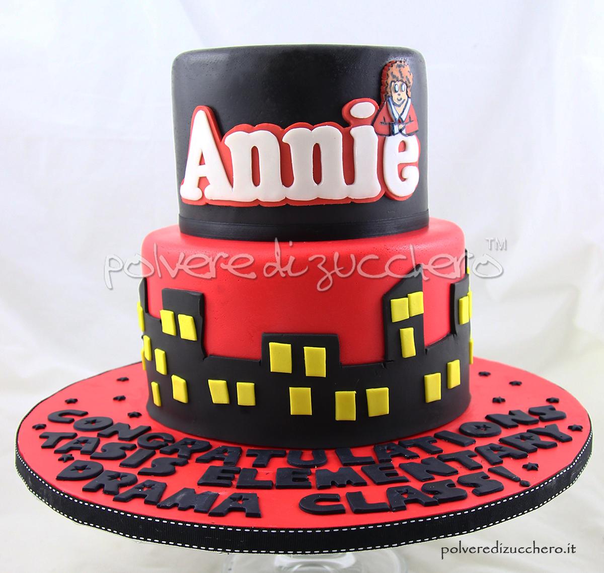 torta decorata musical annie pasta di zucchero cake design annie cake polvere di zucchero
