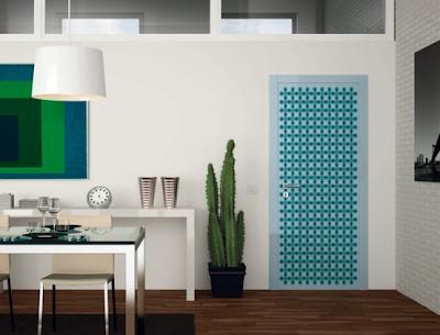 Diseño de puerta muy colorido