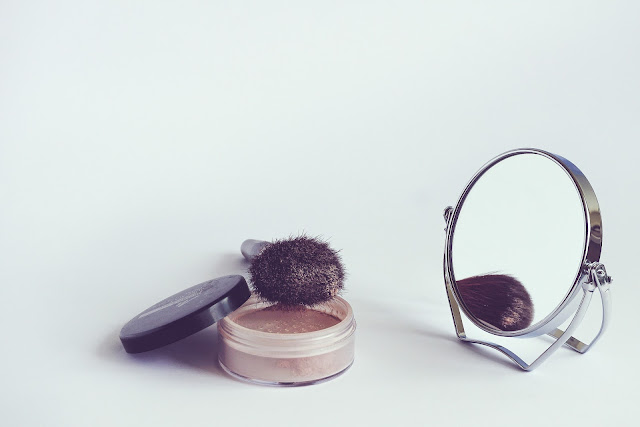 When to throw away your make up