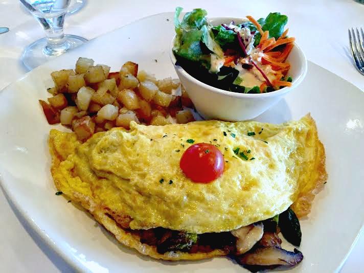 Breakfest omelette at Epicure Bistro