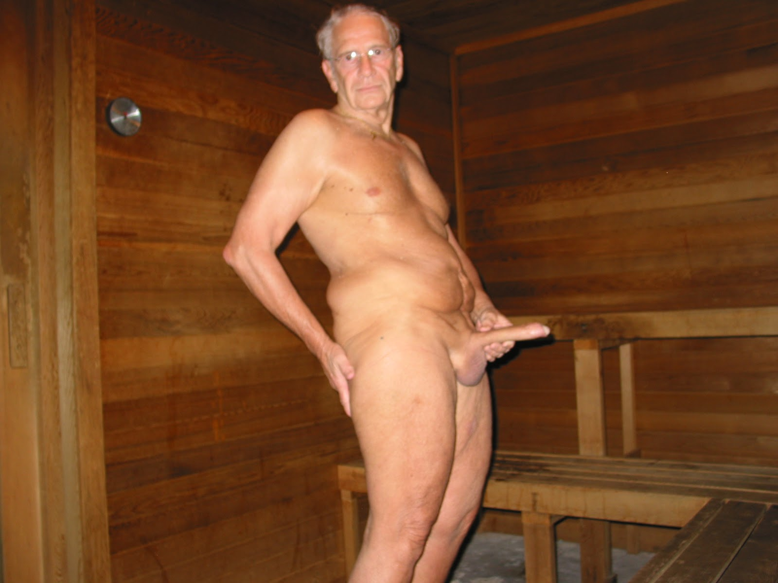 Recommend Men in saunas nude think, that