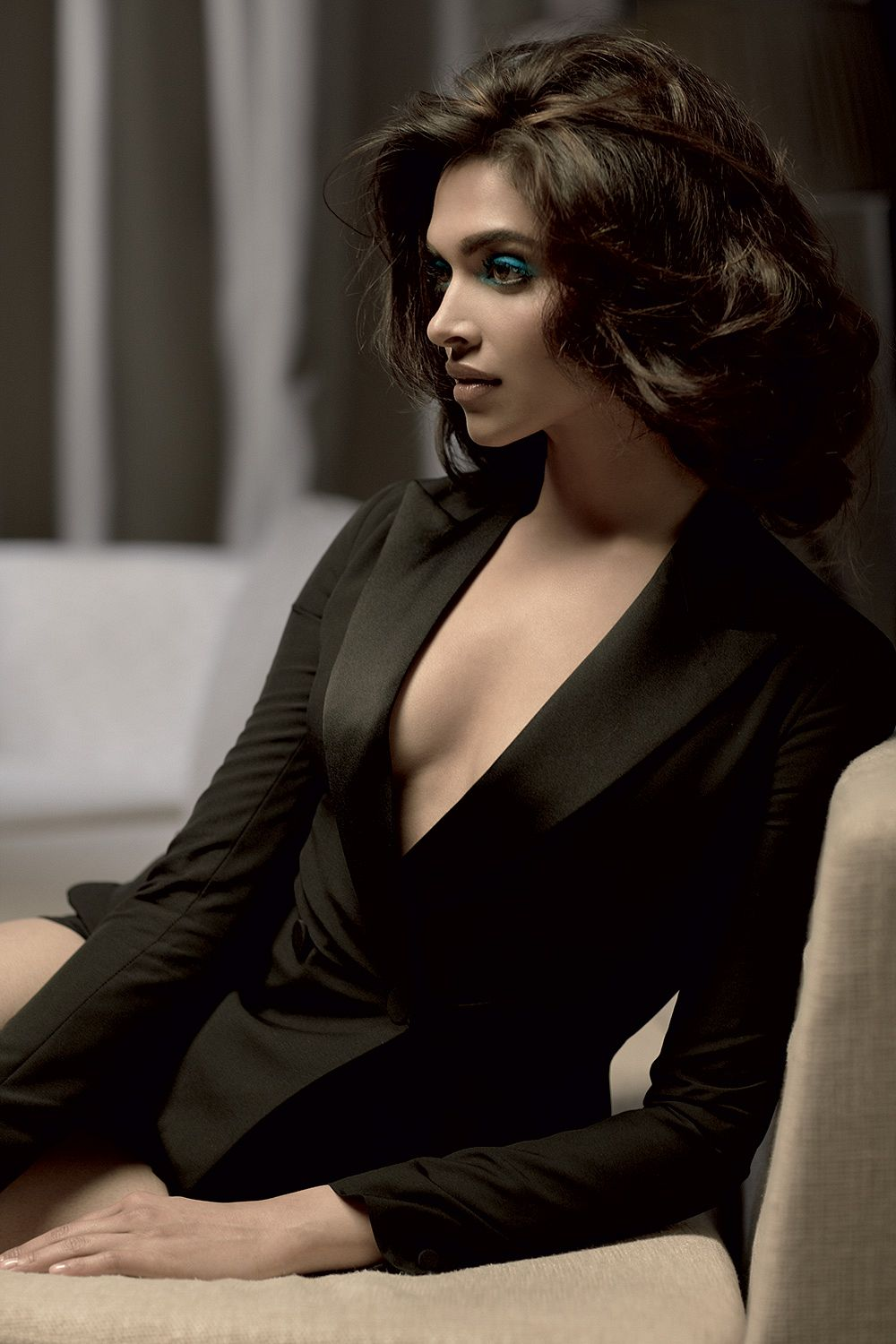 Deepika Padukone Hot And Sexy Hd Pics South Indian