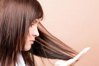 9 Cara Mengatasi Rambut Bercabang Secara Aman dan Sehat