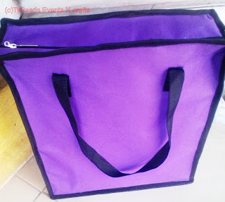 Souvenir bag with zip ideal for weddings and social occasions