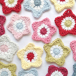 Easy Crochet Projects With Free Step By Step Tutorials - Star Coasters - crochet, crochet tutorials, crochet projects, easy diy projects, crochet for beginners